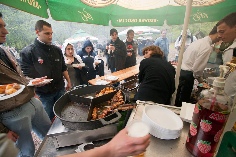 Kiełbaski, szaszłyki, ziemniaczki... mniami :)