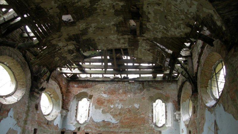 Sklepienie kościoła w Niemczynie, trochę farby i będzi jak nowy - fot. Marta