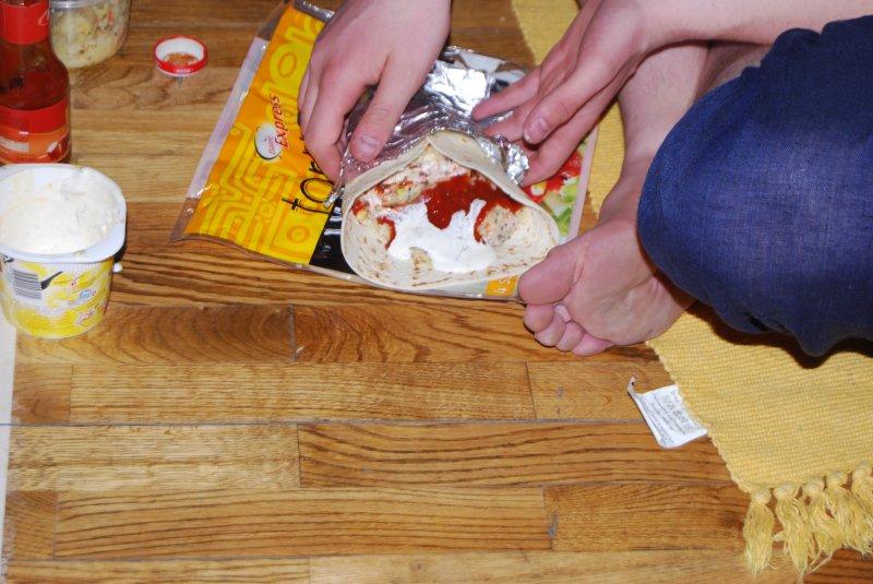 ..and done:) Co bardziej smakowicie wygląda?- kebab czy prawdziwa stopa Turka? :)