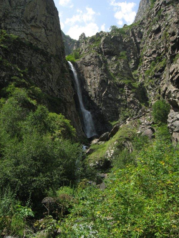 25-metrowy wodospad