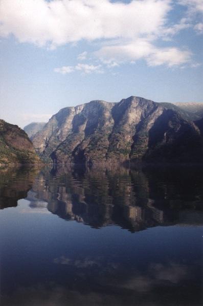 Promem po Sognefjorden - największym fiordzie Norwegii