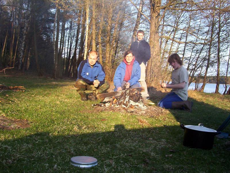 czekamy na ziemniaki z ogniska