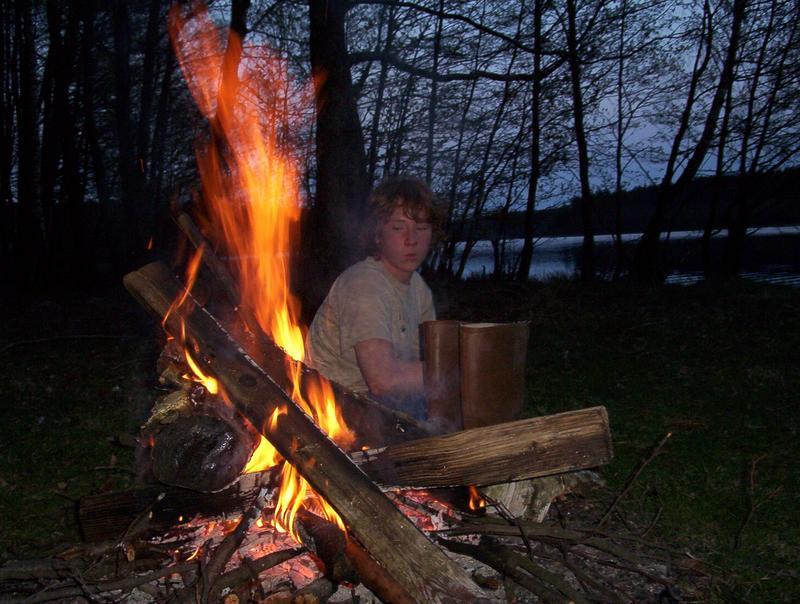 ogniskowe wieczory przy gitarce