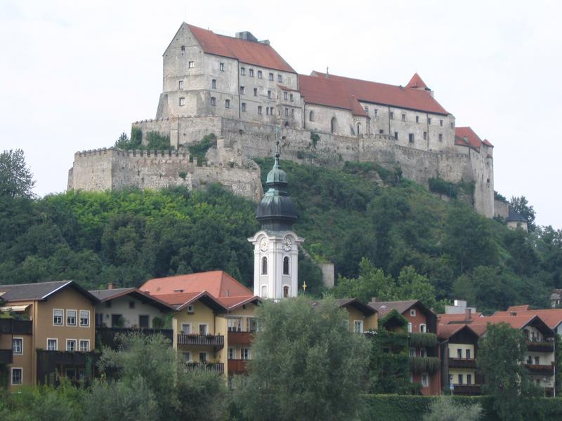 Burghausen - Może nienajwiększy i nienajpiekniejszy ale z pewnościa najdłuższy zamek Europy (1,3 km)