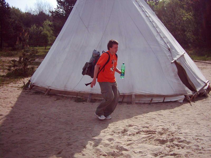 jeszcze jeden pożegnalny taniec wojenny dookoła namiotu...