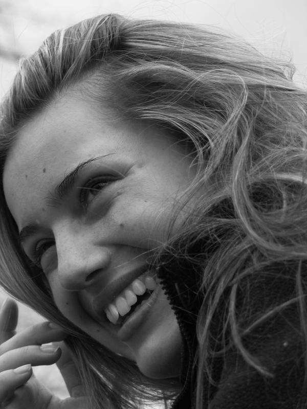Jeden uśmiech - i już jesteś piękniejsza... :-)