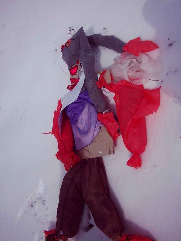 marzanna na śniegu.