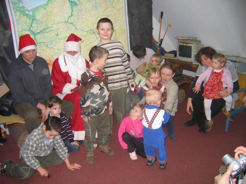 Mikołaj i Elf mają już wyraźnie dość