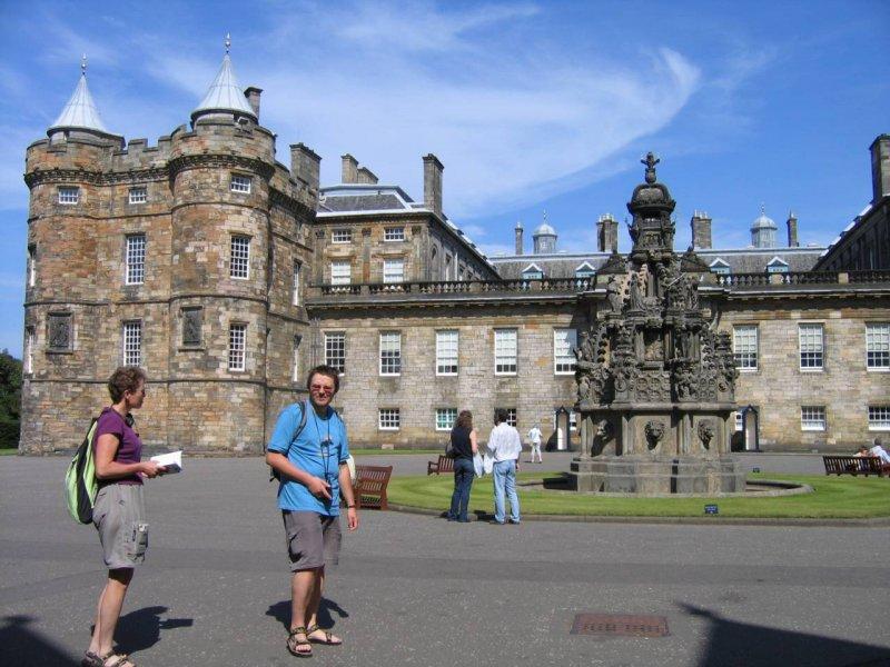 Holyrood Palace - jedna z wielu siedzib JKM Eli