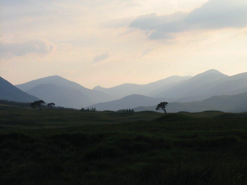widok z Inveroran w kierunku Black Mount