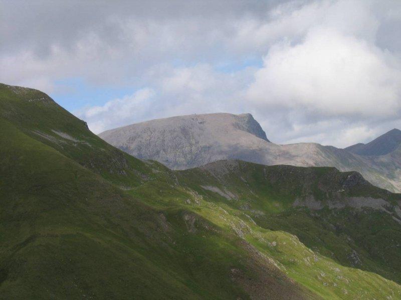To w dali to Ben Nevis ( najwyższy szczyt Wielkiej Brytanii )