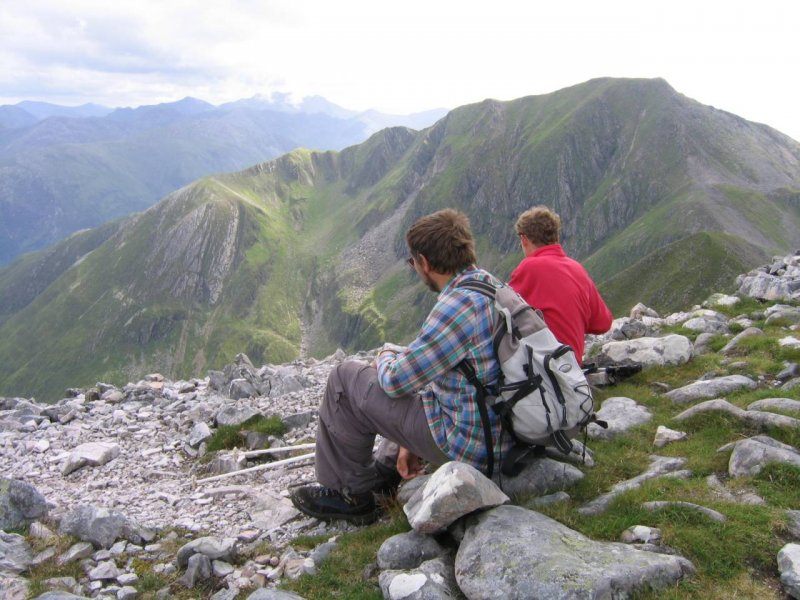 widok z Am Bodach na Sgorr am lubhair i Stob Coire na h Eirgne