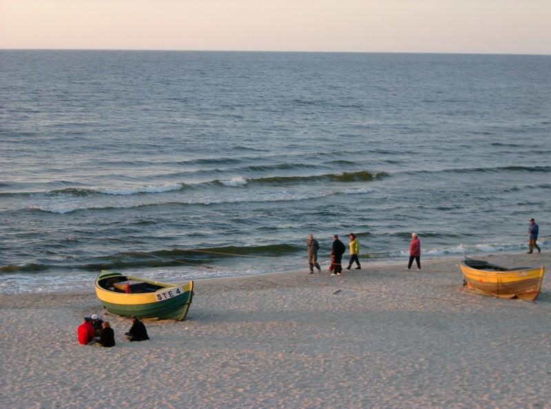 Jedni pilnowali rowerów a inni siedzieli na plaży