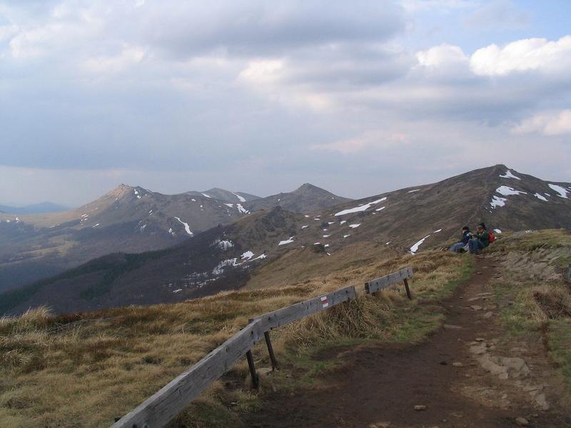 po prawej Halicz, po lewej Tarnica