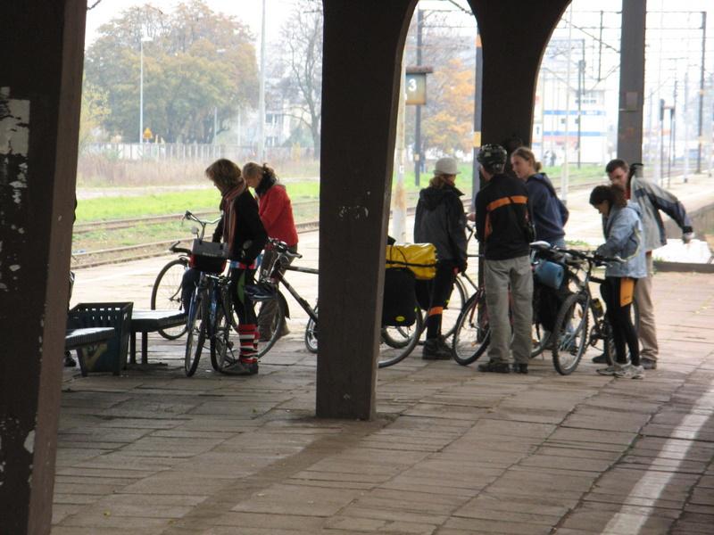 rowerzyści startują