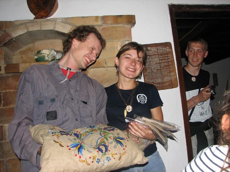 Prezes i hostessa (od prawej :-P )