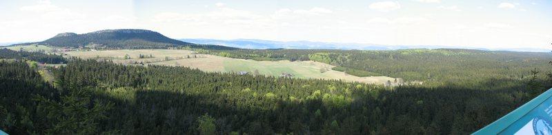 Z Fortu Karola widok na Szczeliniec
