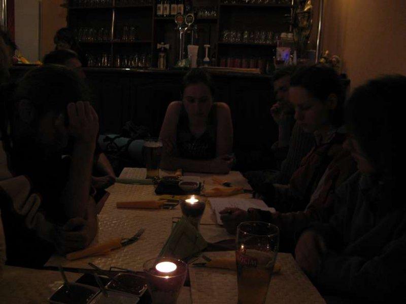 pozbywanie się kasy w ekskluzywnej restauracji ;]