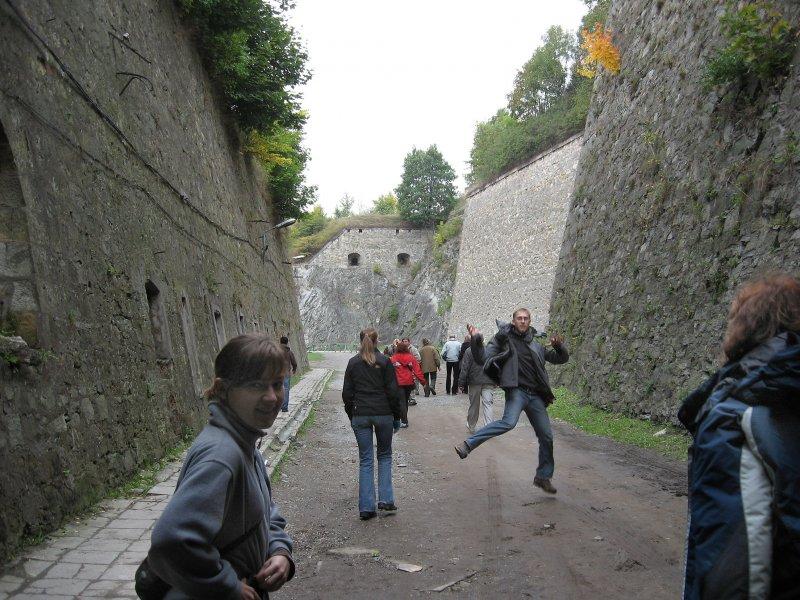 przed zwiedzaniem tuneli nie kryjemy radości :)