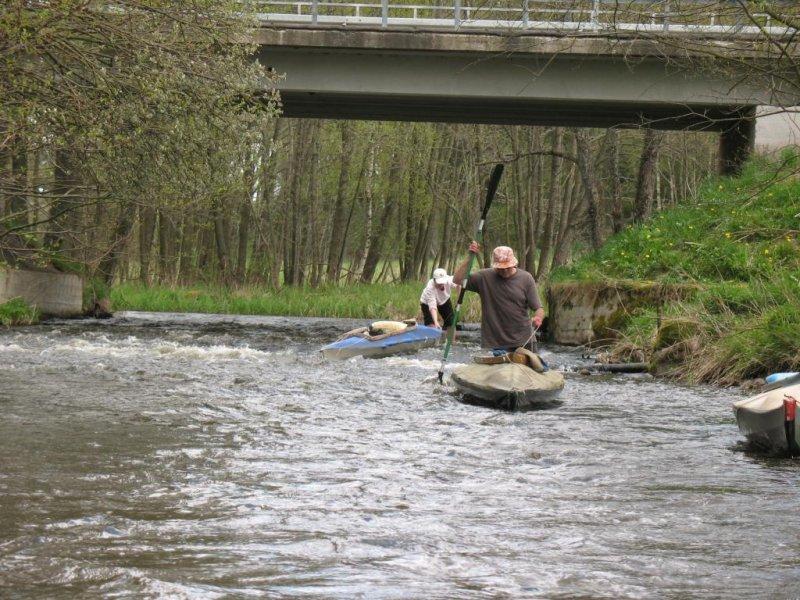 Rzeki to idące drogi, a łodzie - wędrowcy tych dróg