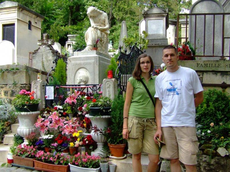 Przy grobie Fryderyka Chopina w Paryżu