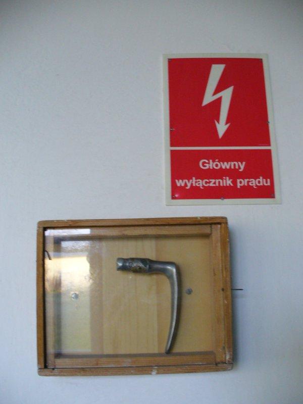 czym się wyłącza prąd?